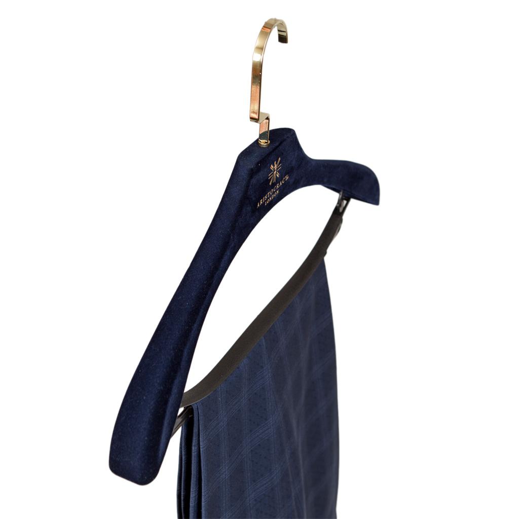 free suit hanger 71