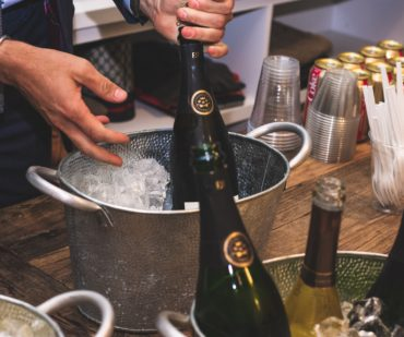9 etiquette tips for hosting a memorable house party 370x309