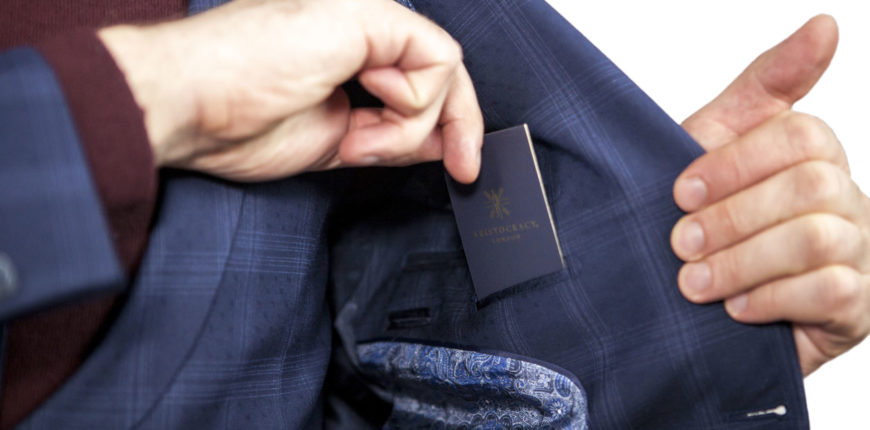 how to exchange business cards like a gentleman 870x430