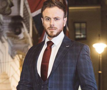 whos wearing our suits meet Steve Sharpe 370x309